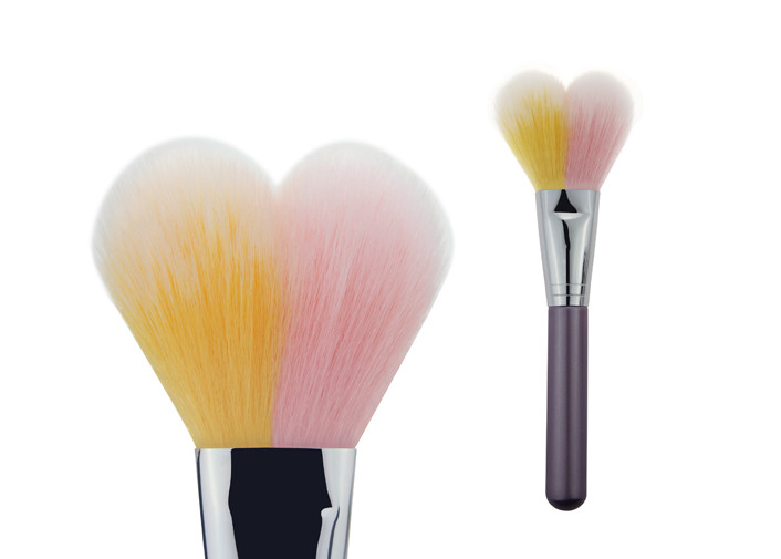 OEM Heart Shaped Brushes For Makeup / Kabuki Blush Brush 40mm Length